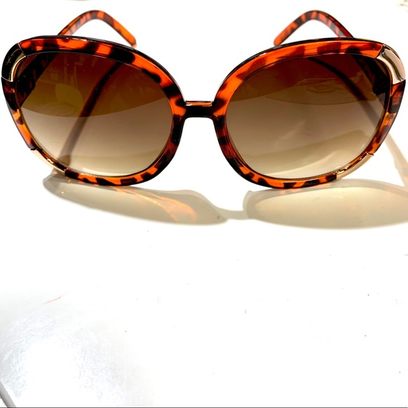 Free People Accessories - Free People Oversized Sunglasses